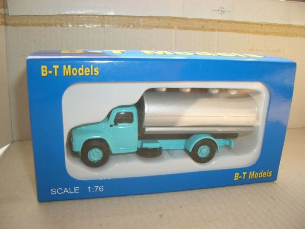 B T Models A012A 1/76 OO Scale Commer Superpoise Tanker Blue & Silver